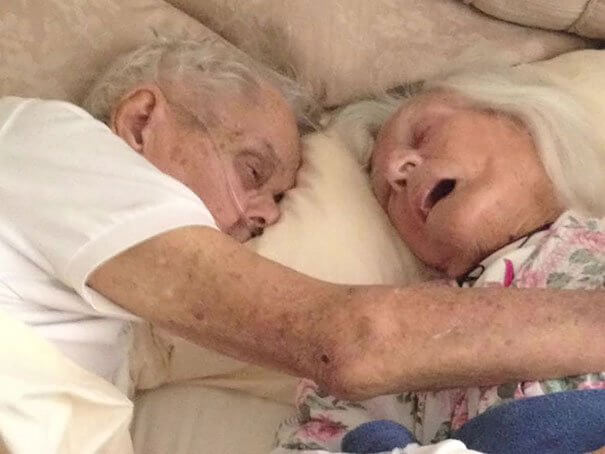 old-couple-dies-together-75-years-marriage-anniversary-each-other-arms-jeanette-alexander-toczko