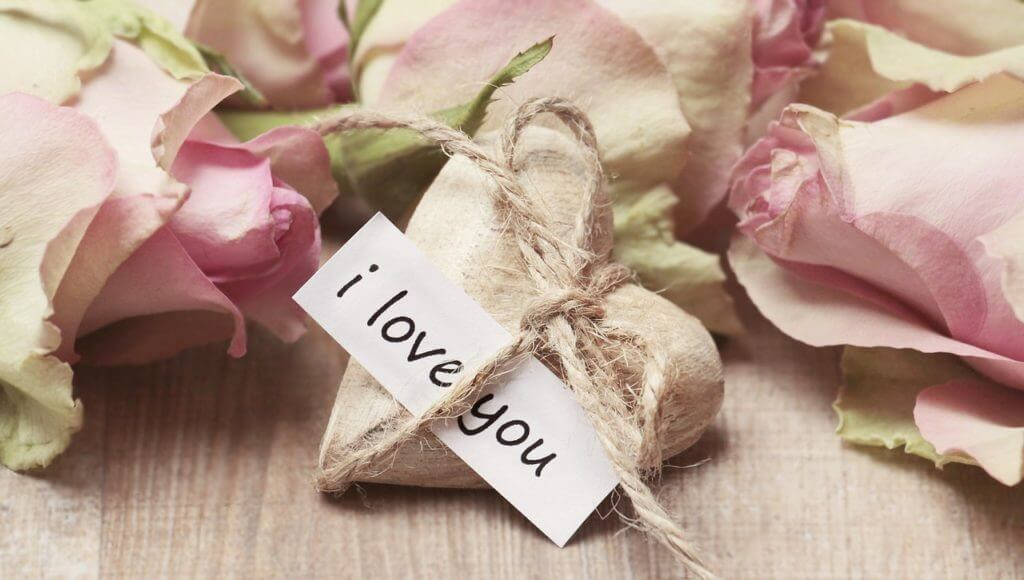 7 Times NOT To Say 'I Love You' First