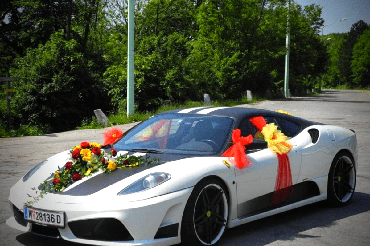 Five Essential Things to Consider While Choosing a Wedding Car