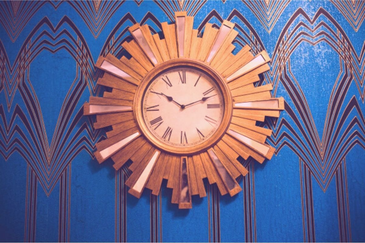 Want to buy wooden wall clock – what are your design options?